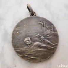 Coleccionismo deportivo: MEDALLA DE NATACIÓN C.N. MATARÓ AÑO 1925. Lote 194103291