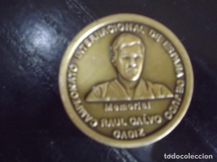 CAMPEONATO INTERNACIONAL DE ESPAÑA DE JUDO. MEMORIAL RAUL CALVO DE CADIZ. (Coleccionismo Deportivo - Medallas, Monedas y Trofeos - Otros deportes)