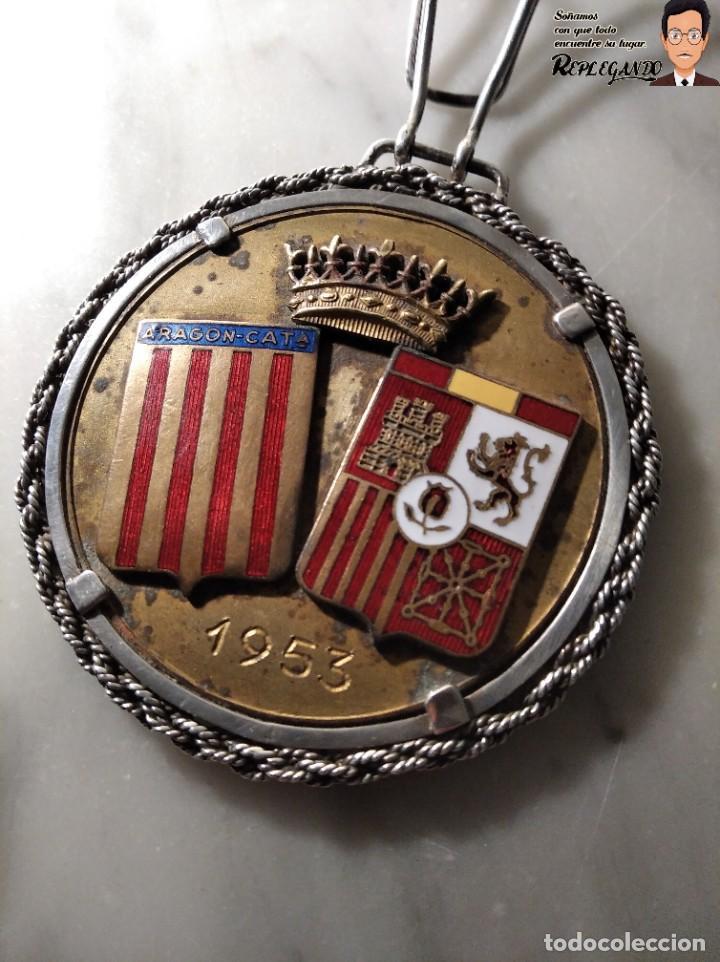 RARA MEDALLA AÑO 1953 - TORNEO MARCA - MATCH PARÍS / BARCELONA (ESCUDO ESPAÑA - ARAGÓN Y CATALUÑA) (Coleccionismo Deportivo - Medallas, Monedas y Trofeos - Otros deportes)