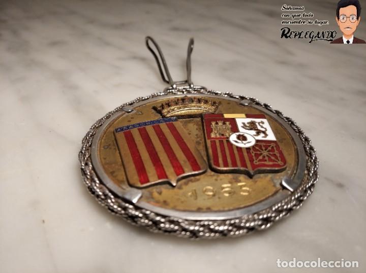 Coleccionismo deportivo: RARA MEDALLA AÑO 1953 - TORNEO MARCA - MATCH PARÍS / BARCELONA (ESCUDO ESPAÑA - ARAGÓN Y CATALUÑA) - Foto 4 - 194330510