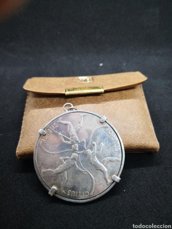 Coleccionismo deportivo: Medalla colgante juegos olímpicos Munich en plata acuñaciones españolas - Foto 2 - 194392061