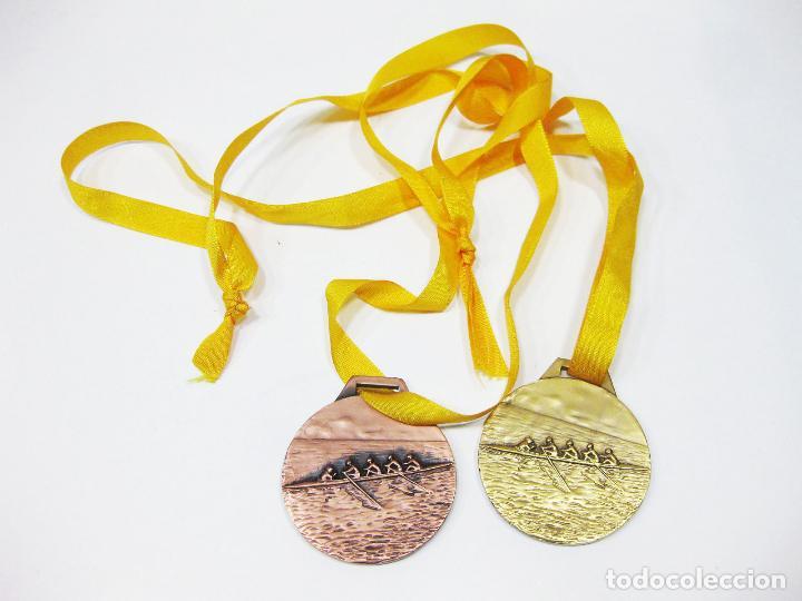 PAREJA DE MEDALLAS DE ORO Y PLATA DE LA FEDERACIÓN MADRILEÑA DE REMO - FMR 1992 (Coleccionismo Deportivo - Medallas, Monedas y Trofeos - Otros deportes)