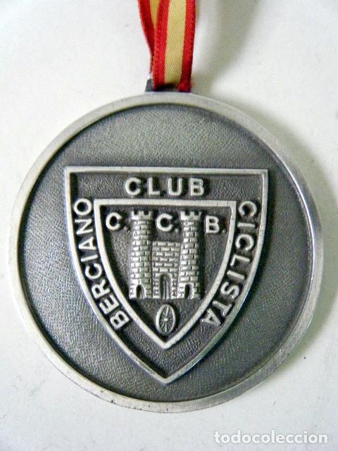 MEDALLA HONORÍFICA CLUB CICLISTA BERCIANO PONFERRADA (Coleccionismo Deportivo - Medallas, Monedas y Trofeos - Otros deportes)