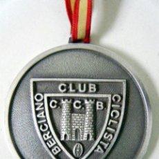 Coleccionismo deportivo: MEDALLA HONORÍFICA CLUB CICLISTA BERCIANO PONFERRADA. Lote 195200960