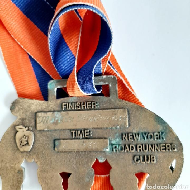Coleccionismo deportivo: Medalla Maratón de Nueva York * New York City Marathon 1998 - Foto 3 - 195265627