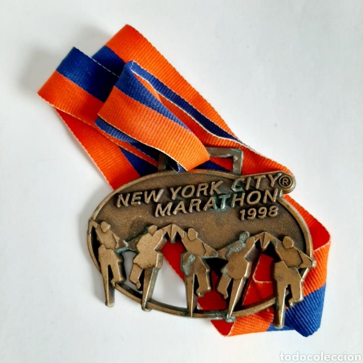 MEDALLA MARATÓN DE NUEVA YORK * NEW YORK CITY MARATHON 1998 (Coleccionismo Deportivo - Medallas, Monedas y Trofeos - Otros deportes)