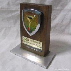 Coleccionismo deportivo: TROFEO CAMPEONATO NATACIÓN MIRAFLORES 1975 CONSTRUCCIONES BARTOLOMÉ. Lote 195333631