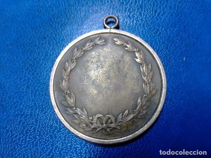 Coleccionismo deportivo: 3 Antiguas medallas Rodel Heil, Sporting 1927 y lanzador - Foto 2 - 198612270