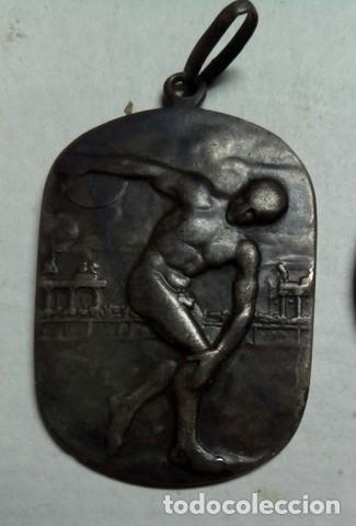 Coleccionismo deportivo: 3 Antiguas medallas Rodel Heil, Sporting 1927 y lanzador - Foto 4 - 198612270