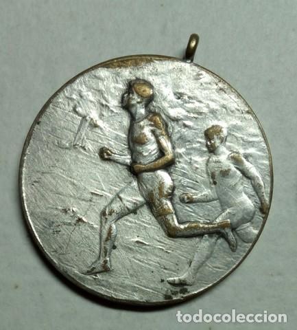 Coleccionismo deportivo: 3 Antiguas medallas Rodel Heil, Sporting 1927 y lanzador - Foto 5 - 198612270