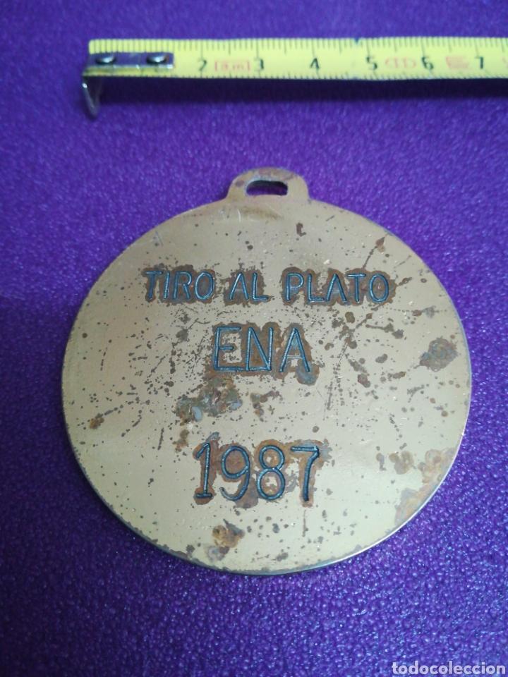 Coleccionismo deportivo: Medalla de tiro al plato Ena (Huesca) 1987 pichón - Foto 2 - 199943332
