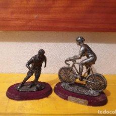 Coleccionismo deportivo: TROFEOS LOTE 2 PIEZAS CICLISMO Y FUTBOL. Lote 202916081