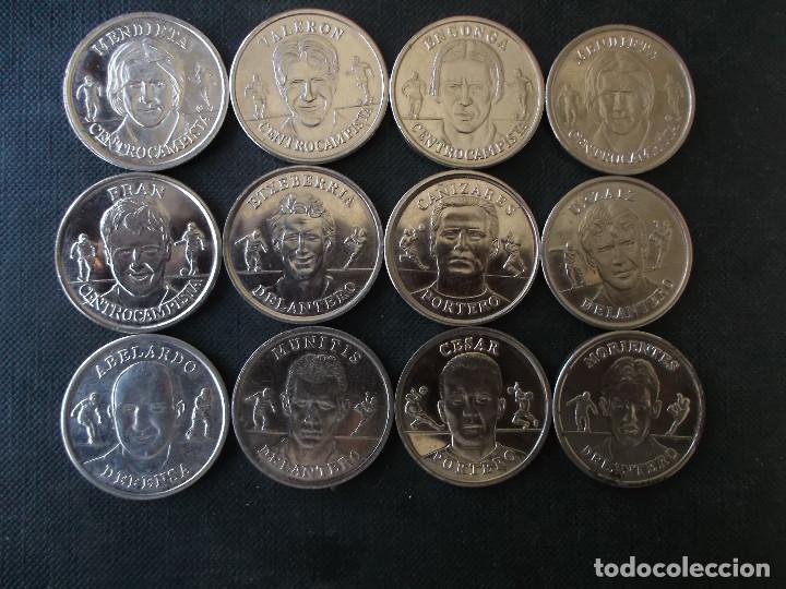 CONJUNTO DE MEDALLAS DE JUGADORES FAMOSOS DE LA SELECCION ESPAÑOLA AÑOS 80 Y 90 (Coleccionismo Deportivo - Medallas, Monedas y Trofeos - Otros deportes)