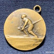 Coleccionismo deportivo: MEDALLA LATON ESQUI PPIO S XX S T L 20MM. Lote 205139472
