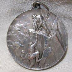 Coleccionismo deportivo: MEDALLA ESCALADA RECORRIDO MONTAÑAS VIZCAYA.1920. LUIS DOMÍNGUEZ. HUGUENIN. PLATA. DIÁM. 3 CM. Lote 213381002