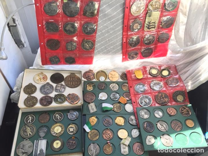 Coleccionismo deportivo: Gran lote 85 Medallas Deportivas ,con archivador - Foto 2 - 213682055