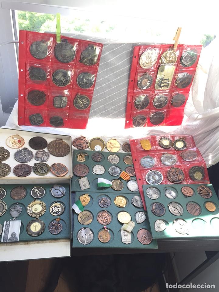 Coleccionismo deportivo: Gran lote 85 Medallas Deportivas ,con archivador - Foto 3 - 213682055