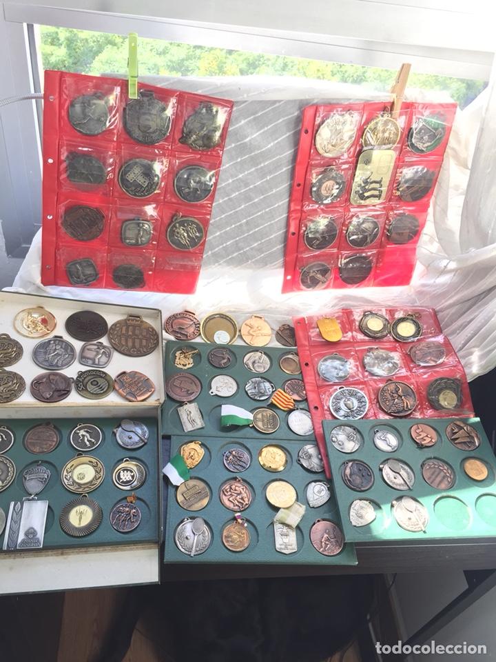 Coleccionismo deportivo: Gran lote 85 Medallas Deportivas ,con archivador - Foto 4 - 213682055