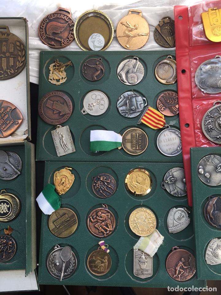 Coleccionismo deportivo: Gran lote 85 Medallas Deportivas ,con archivador - Foto 6 - 213682055