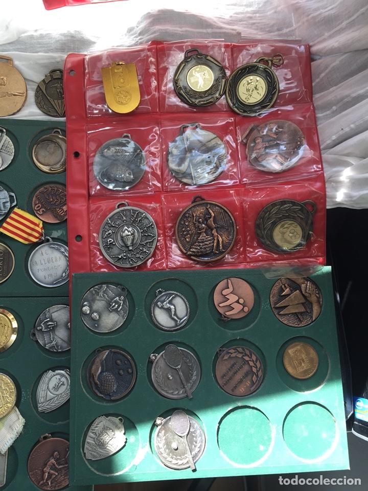 Coleccionismo deportivo: Gran lote 85 Medallas Deportivas ,con archivador - Foto 7 - 213682055
