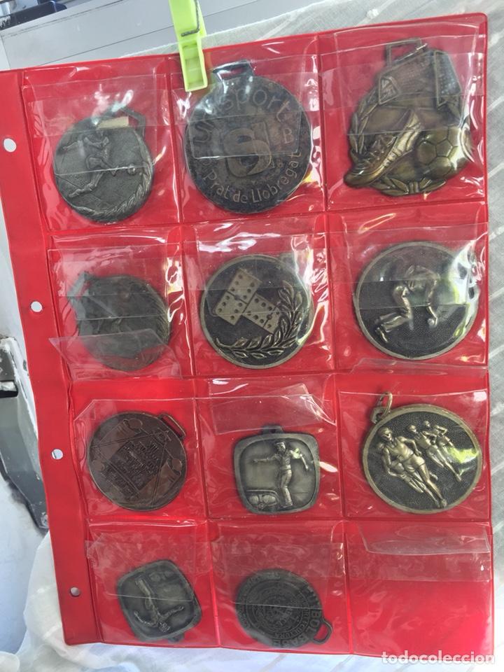 Coleccionismo deportivo: Gran lote 85 Medallas Deportivas ,con archivador - Foto 9 - 213682055