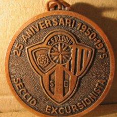Coleccionismo deportivo: MEDALLA 25 ANIVERSARI SECCIÓ EXCURSIONISTA 1950-1975. C.F. REDDIS. REUS. DIAM. 5,5 CM. Lote 213972346