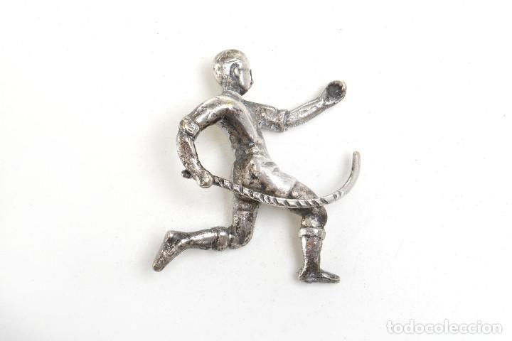 Coleccionismo deportivo: jugador de hurling en miniatura de metal, probablemente alpaca - Foto 8 - 214475383