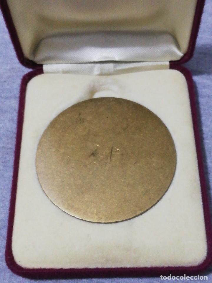 Coleccionismo deportivo: Bonito Estuche terciopelo con moneda premio campeón jugador de billar antiguo raro - Foto 4 - 215774697