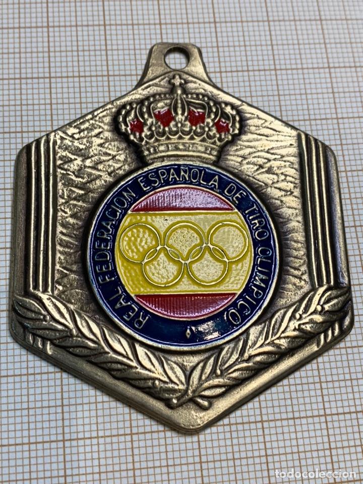Coleccionismo deportivo: Medalla Bronce Real Federación Española de Tiro Olimpico - Foto 3 - 218994333