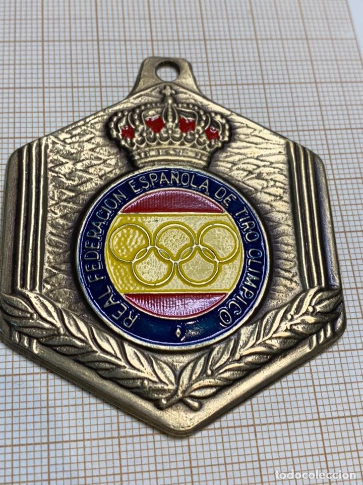 MEDALLA BRONCE REAL FEDERACIÓN ESPAÑOLA DE TIRO OLIMPICO (Coleccionismo Deportivo - Medallas, Monedas y Trofeos - Otros deportes)