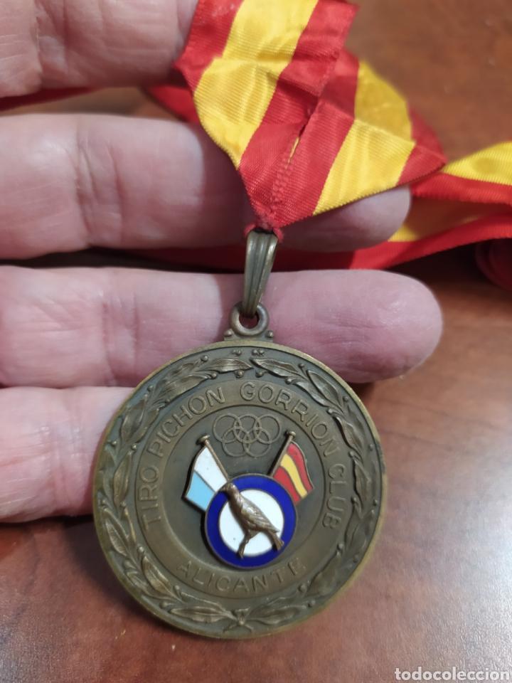 1 COPA DEL REY TIRO DE PICHÓN GORRIÓN CLUB ALICANTE 1979 (Coleccionismo Deportivo - Medallas, Monedas y Trofeos - Otros deportes)