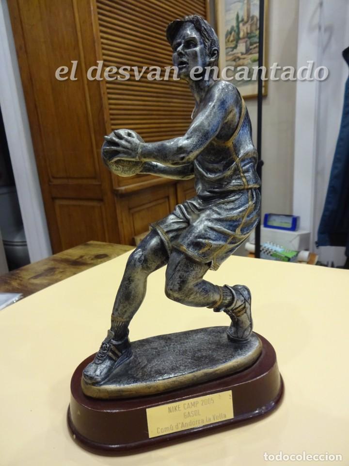 TROFEO GASOL NIKE CAMP 2005. COMÚ D´ANDORRA LA VELLA. (Coleccionismo Deportivo - Medallas, Monedas y Trofeos - Otros deportes)