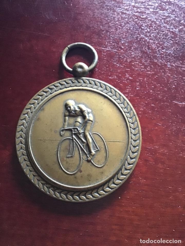 MEDALLA DE CILISTA EN BRONCE ANTIGUA (Coleccionismo Deportivo - Medallas, Monedas y Trofeos - Otros deportes)