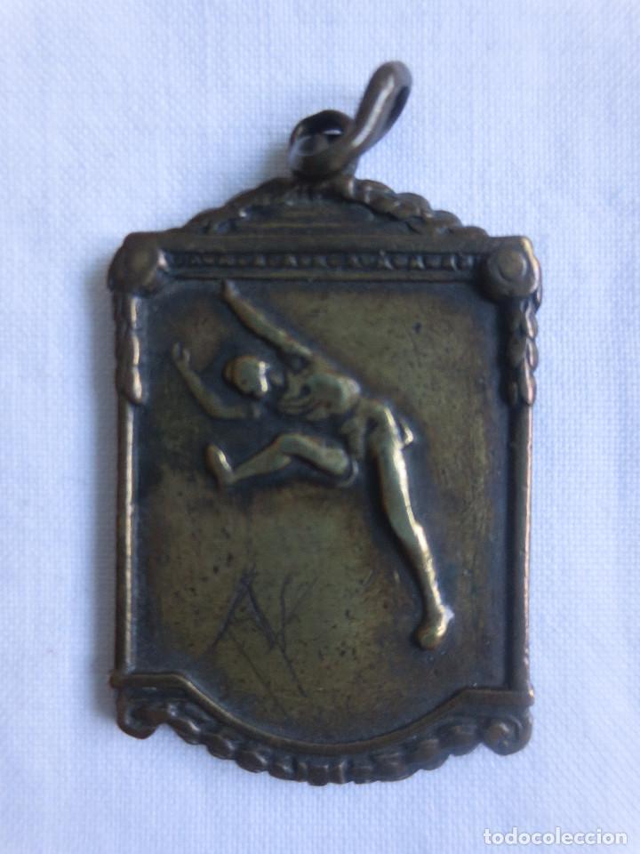 MEDALLA DEL TROFEO SANTA MARTA DE LONGITUD DICIEMBRE 1952 (Coleccionismo Deportivo - Medallas, Monedas y Trofeos - Otros deportes)