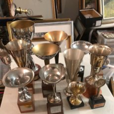 Coleccionismo deportivo: LOTE DE 13 TROFEOS ANTIGUOS DE TIRO. Lote 235102365