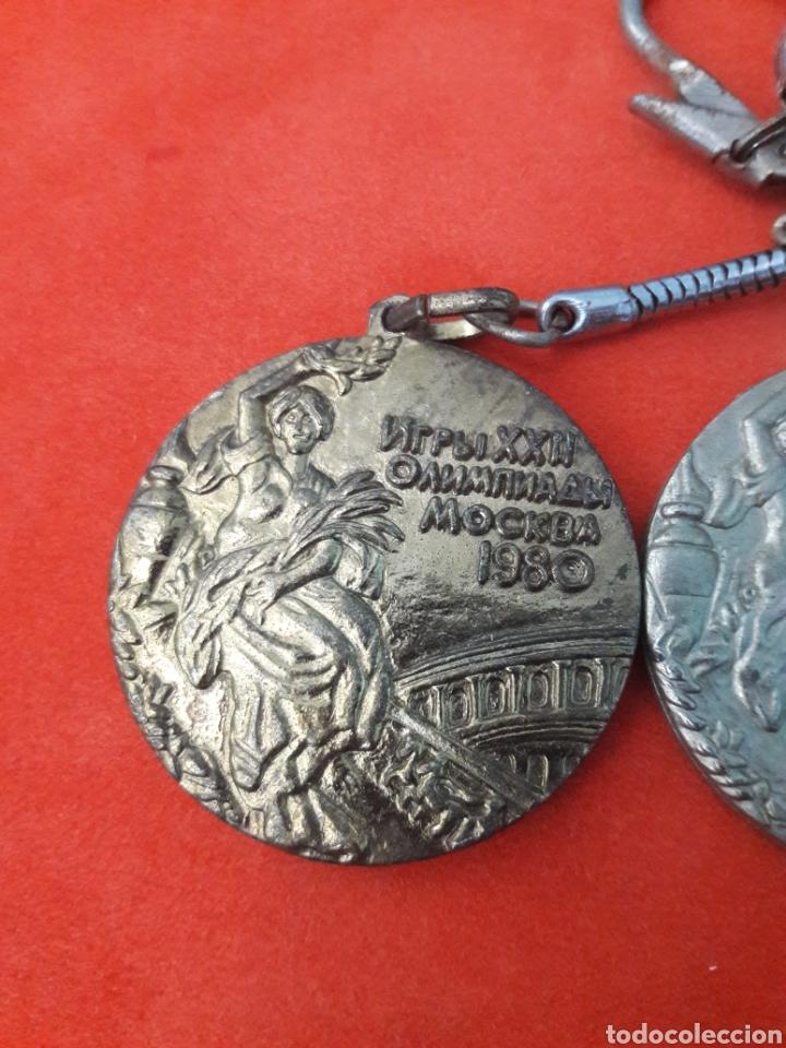 Coleccionismo deportivo: LLAVEROS MEDALLAS JUEGOS OLÍMPICOS MOSCÚ 1980 ORO , PLATA Y BRONCE 4CM - Foto 2 - 246022045