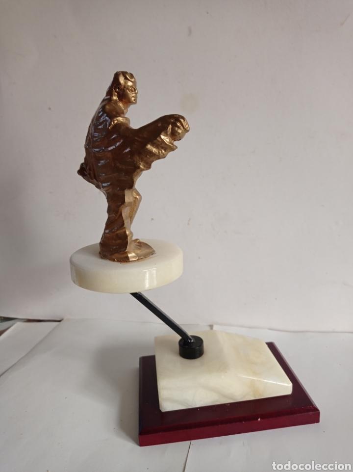 Coleccionismo deportivo: TROFEO DE PERSONA / IDEAL PARA PETANCA / PEANA DE MARMOL / SIN PLACA / MUY NUEVO - Foto 4 - 252453370