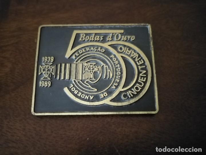 MEDSLLA PLACA CONMEMORATIVA DEL 50 ANIVERSARIO DE LA FEDERACIÓN PORTUGUESA DE BSLONMSNO. ANDEBOL. (Coleccionismo Deportivo - Medallas, Monedas y Trofeos - Otros deportes)