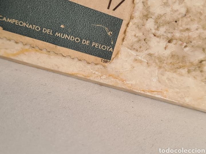 Coleccionismo deportivo: Talla Figura Pelotari firma Alberdi sobre peana mármol - Pelota Vasca - Decoración País Vasco - Foto 13 - 262128525
