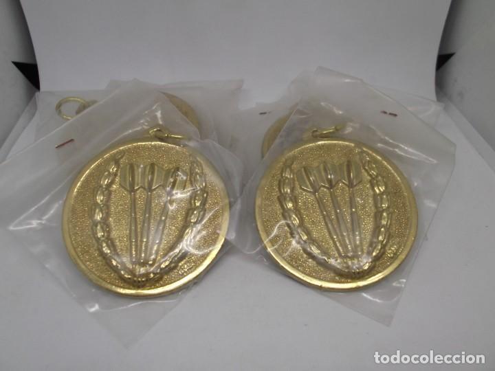 9 MEDALLAS DORADAS DE DARDOS CON ASA Y REASA.CEBRIAN.SIN USO (Coleccionismo Deportivo - Medallas, Monedas y Trofeos - Otros deportes)