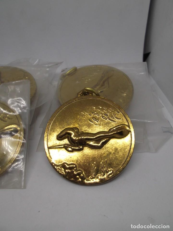 12 MEDALLAS DORADAS DE PESCA SUBMARINA.CEBRIAN.SIN USO (Coleccionismo Deportivo - Medallas, Monedas y Trofeos - Otros deportes)