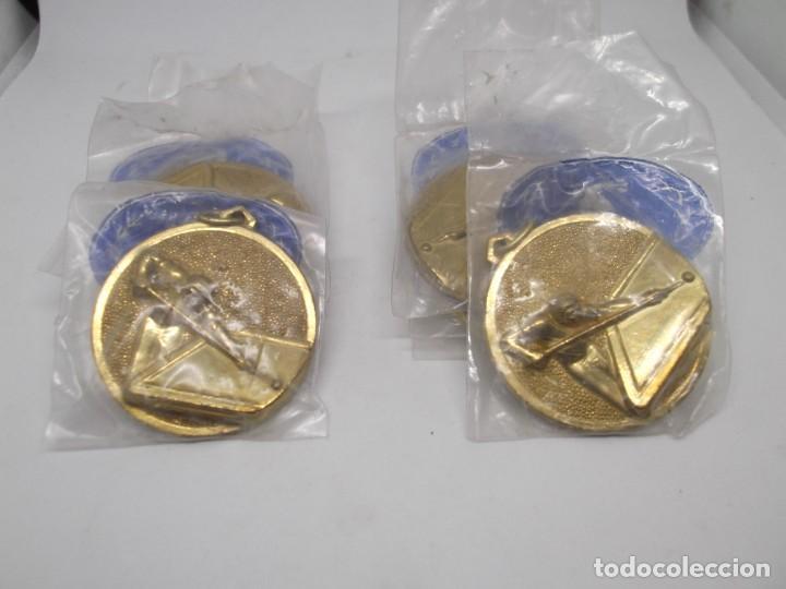 Coleccionismo deportivo: 8 Medallas doradas de Billar.Cebrian bronce forjado.Sin uso - Foto 2 - 262941755