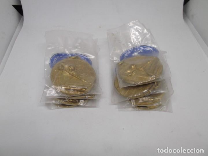Coleccionismo deportivo: 8 Medallas doradas de Billar.Cebrian bronce forjado.Sin uso - Foto 4 - 262941755