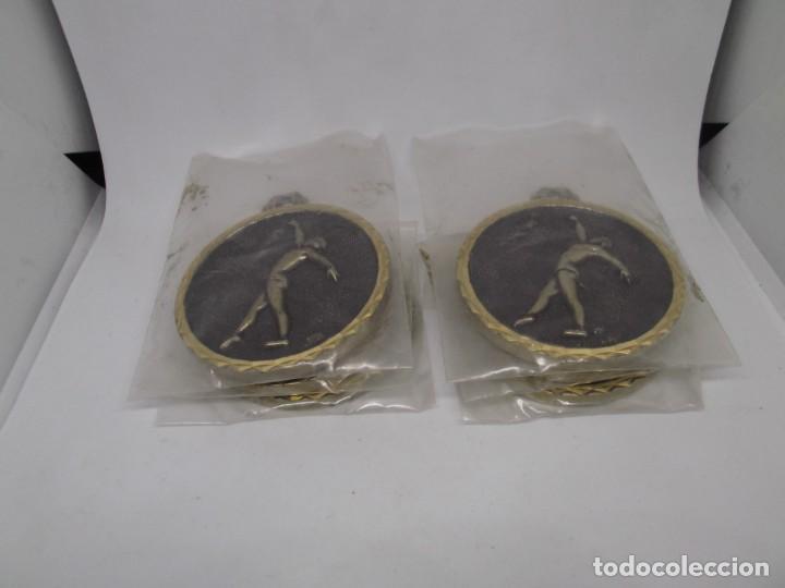 Coleccionismo deportivo: 6 Medallas de Gimnasia Ritmica grandes de bronce forjado.Cebrian.Sin uso - Foto 5 - 262944705