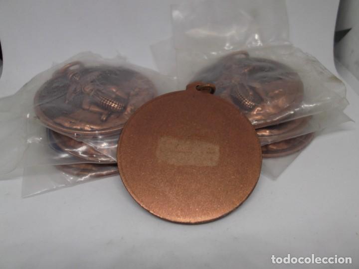 Coleccionismo deportivo: 7 Medallas de Motocross de bronce con asa y reasa.Cebrian.Sin uso - Foto 2 - 263012510