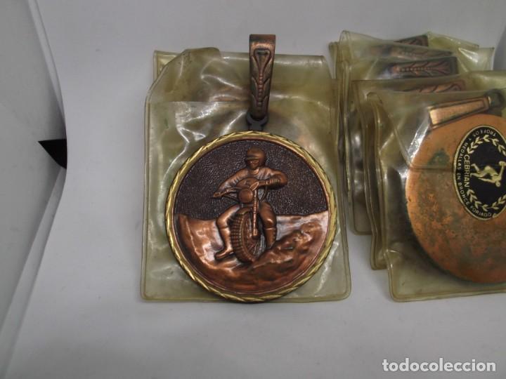 8 MEDALLAS MOTOCROSS CON ASA Y REASA.CEBRIAN.SIN USO (Coleccionismo Deportivo - Medallas, Monedas y Trofeos - Otros deportes)