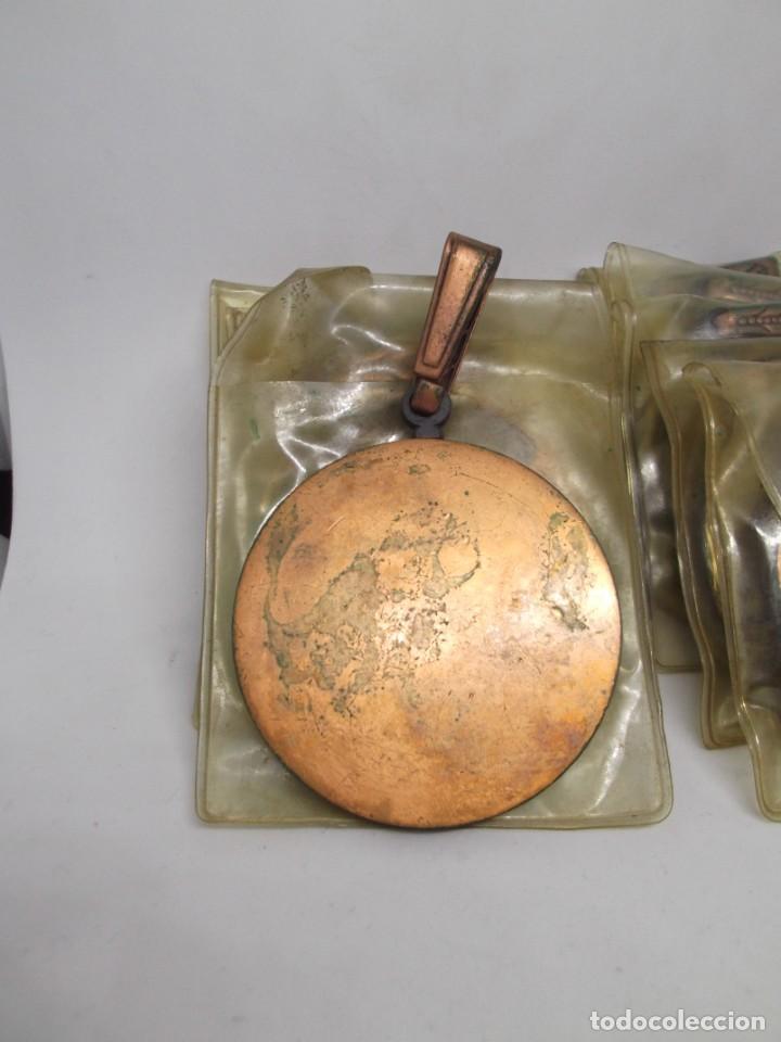 Coleccionismo deportivo: 8 Medallas Motocross con asa y reasa.Cebrian.Sin uso - Foto 4 - 263018135