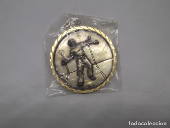 Coleccionismo deportivo: Una medalla de Pelota Frontón.Cebrian.Nueva - Foto 2 - 263731115