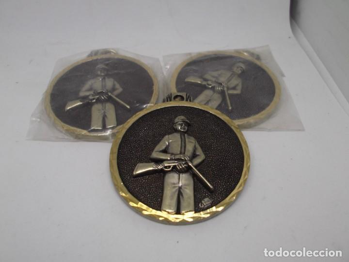 3 MEDALLAS DE CAZA ANTIGUAS.CEBRIAN (BRONCE FORJADO).NUEVAS (Coleccionismo Deportivo - Medallas, Monedas y Trofeos - Otros deportes)