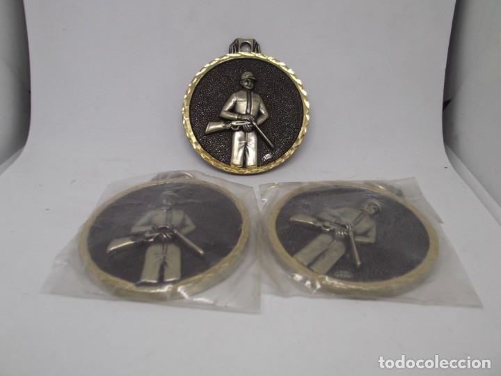 Coleccionismo deportivo: 3 Medallas de Caza antiguas.Cebrian (bronce forjado).Nuevas - Foto 3 - 263762615